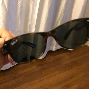 New wayfarer polarized Raybans
